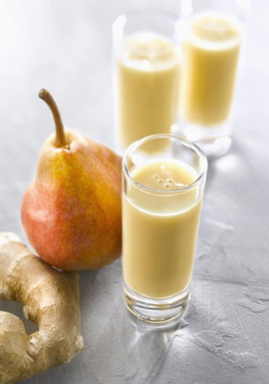 Smoothie poire, banane, gingembre